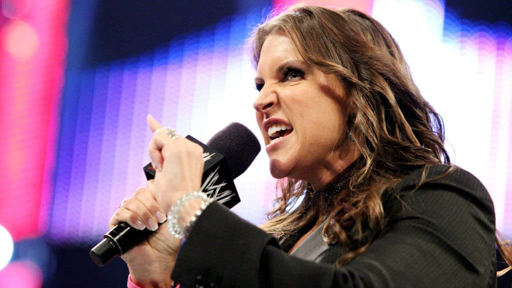 Stephanie McMahon shuts down CM Punk chants with authority in Chicago